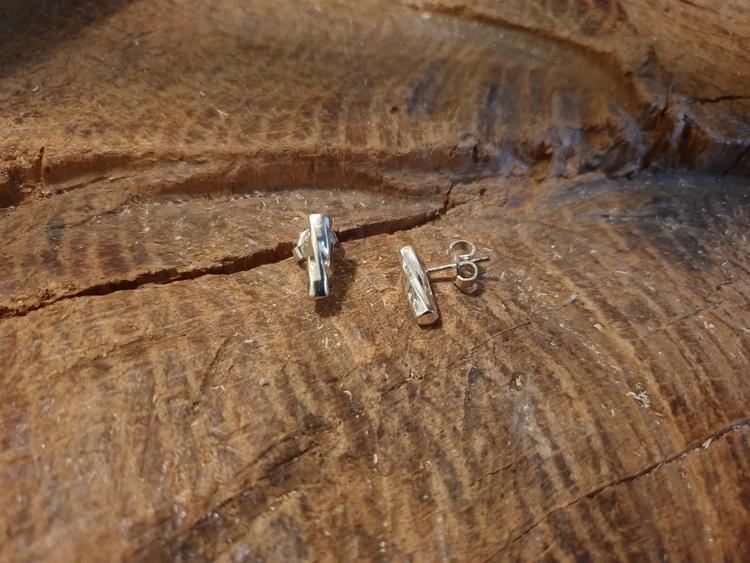 Silverörhänge kort stav