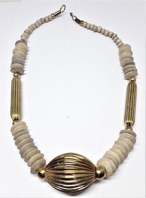 Halsband med ben och guldfärgad metall