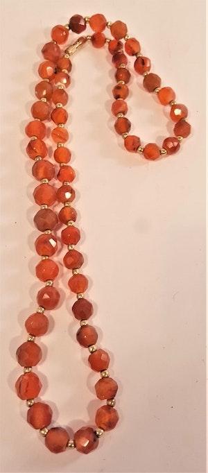 Kopia Halsband av runda kantslipade Karneolstenar - 60 cm