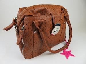 Snygg väska i ljusbrunt konstläder