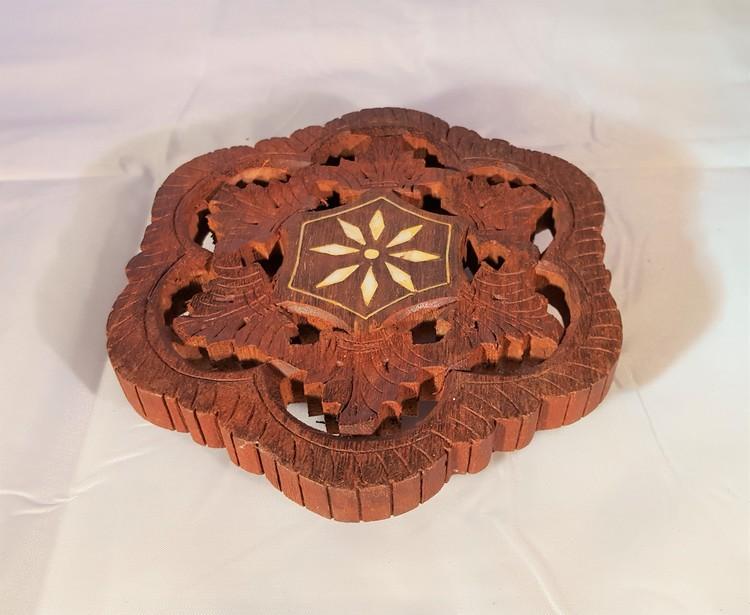 Underlägg i snidat trä, handgjort, 3 storlekar, x1