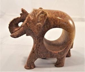 Handgjord elefant med hål för t.ex. servett