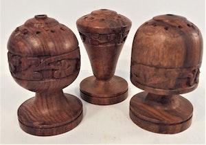 Figur i snidat trä