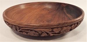 Träskål i snidat trä, 19 cm
