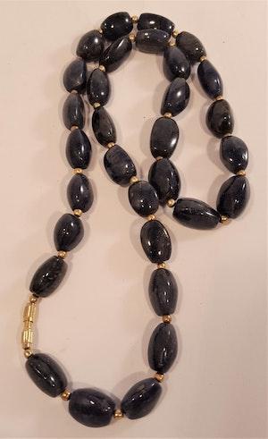 Halsband av blå Agat