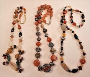 Halsband av  halvädelstenar, 3 olika att välja emellan, x1