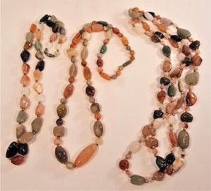 Halsband med mix av halvädelsten i olika längder, 3 olika att välja på, x1