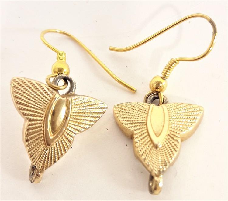 Söta guldfärgade trekantiga örhängen