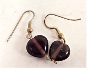 Söta bruna hjärtformade örhängen