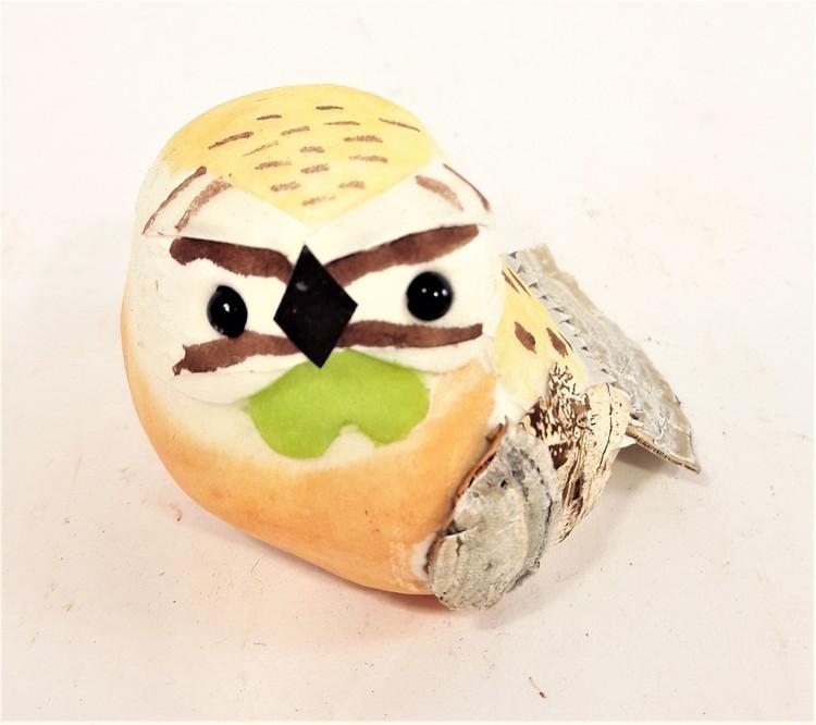 Söt liten handgjord dekorationsfågel