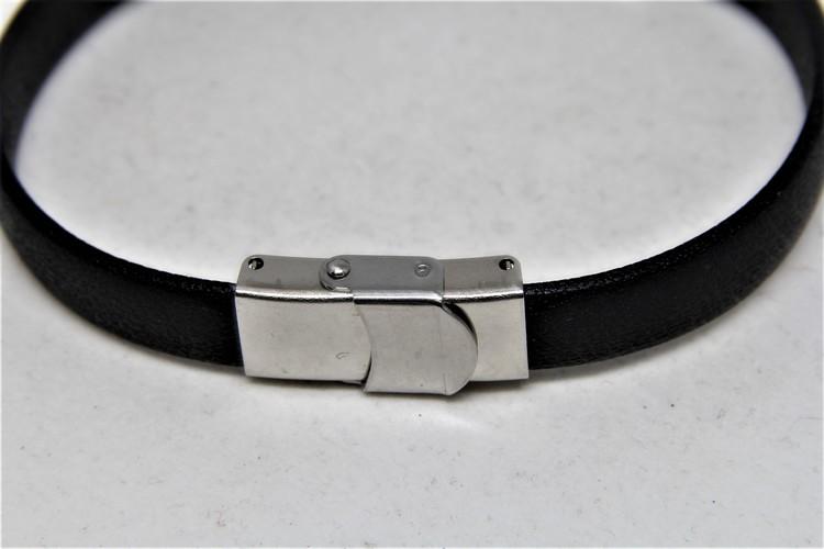 Armband i Skinn och Rostfritt Stål