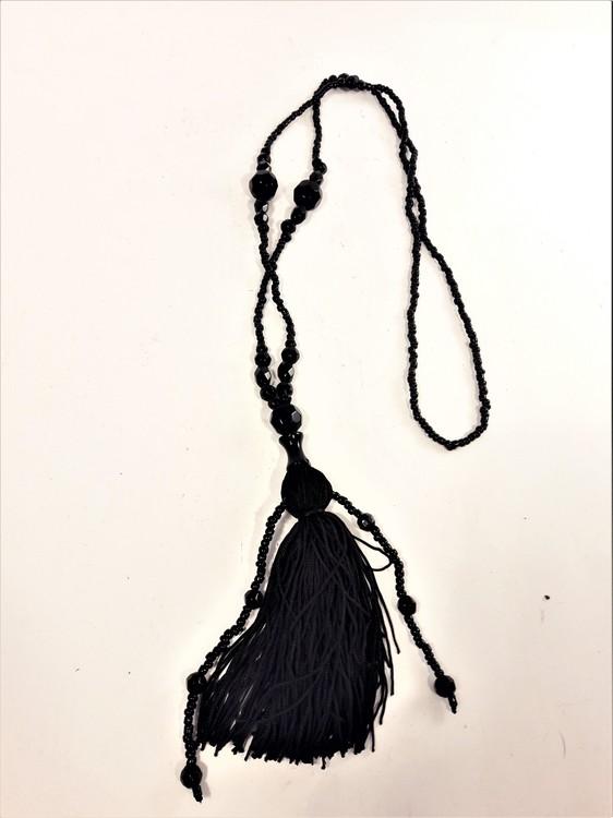 Halsband av Pärlor med Tofs