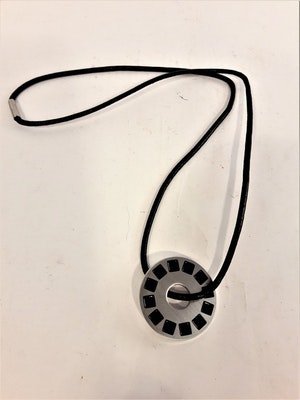Läder Halsband med Runt Hänge