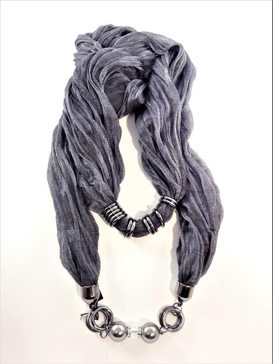 Grå skimrande scarf med silverfärgade detaljer