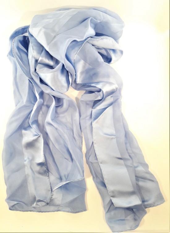 Ljusblå silkesscarf