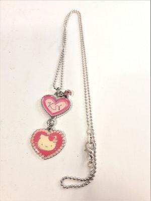 Halskedja med Hello Kitty-motiv, 2 berlocker och sten