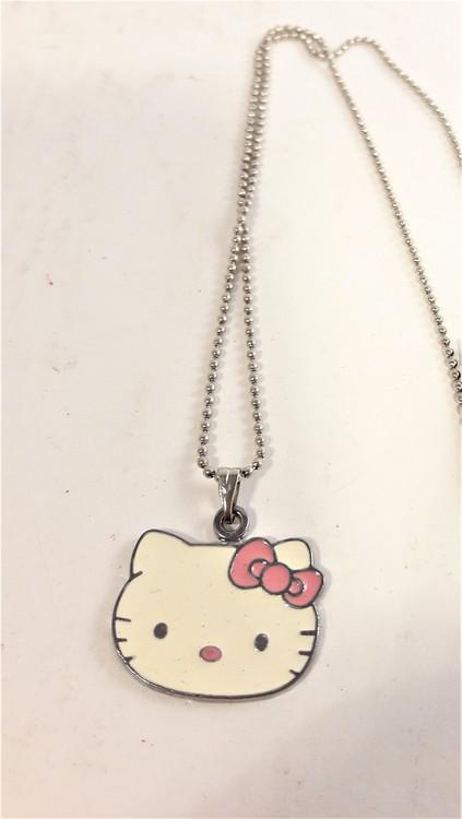 Halskedja med Hello Kitty-huvud