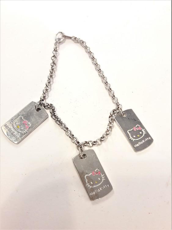Armband med Hello Kittymotiv, 3 berlocker