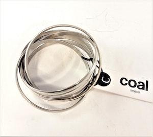 Frida, snyggt armband i stål med flera ringar