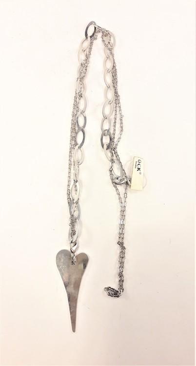 Halsband med hjärta, ringar och kedja i silverfärg
