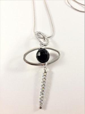 Snygg silverfärgad halskedja med strassprytt hänge med sten