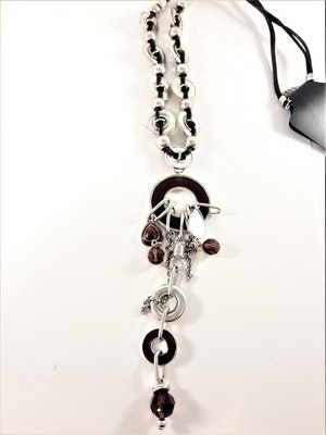 Halsband med Läderrem och Detaljer Silverfärg