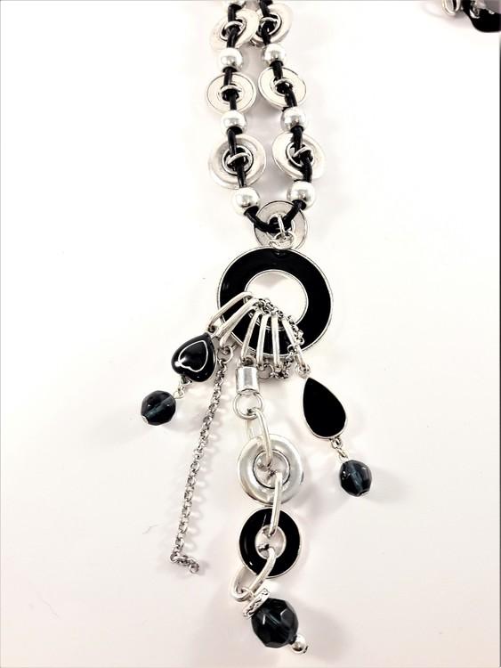 Halsband med Läderrem och Detaljer Silverfärg och Blå