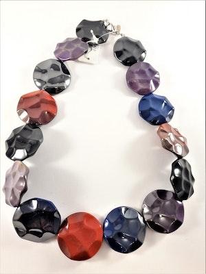 Färgglatt Halsband med Glansiga Detaljer Multifärg