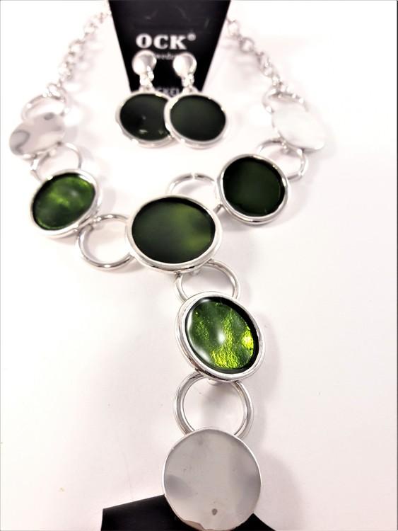 Halsband med fina detaljer och strass med matchande örhängen, grön