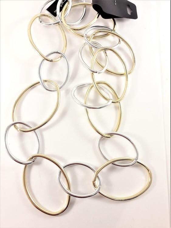 Halsband med stora ringar silver- och guldfärg