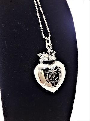 Halsband med hjärta och krona med strass i silverfärg