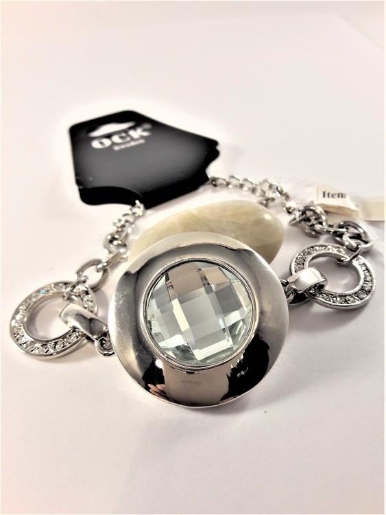 Armband med berlock med vit sten och ringar med strass och rhodium