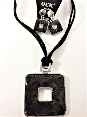 Halsband med fyrkantigt hänge i svart och matchande örhängen