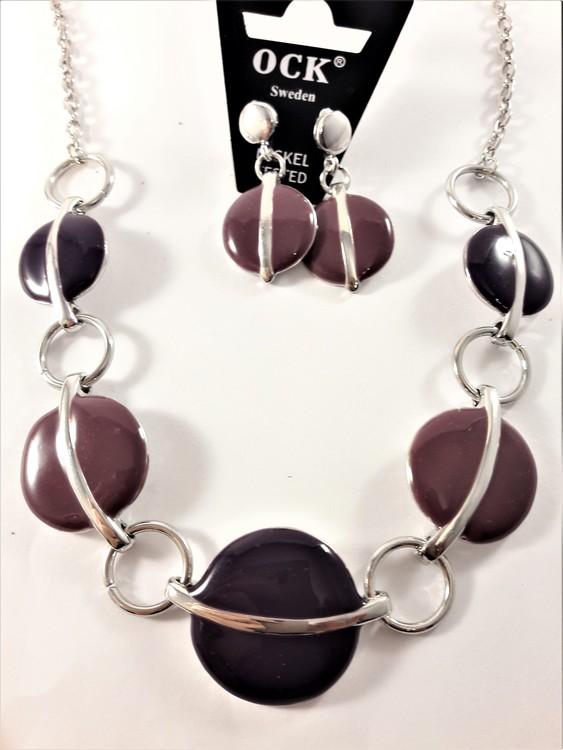 Halsband med detaljer i lila och matchande örhängen