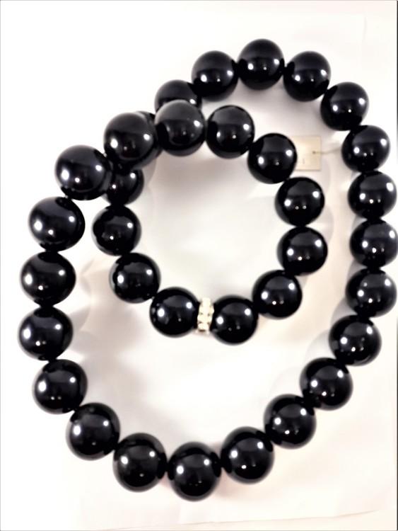 Halsband med träkulor i svart