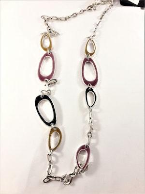 Halsband i silverfärg med flerfärgade detaljer