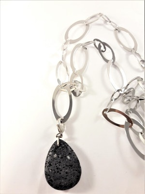 Halsband med länkar i silverfärg med äkta tigeröga mineral