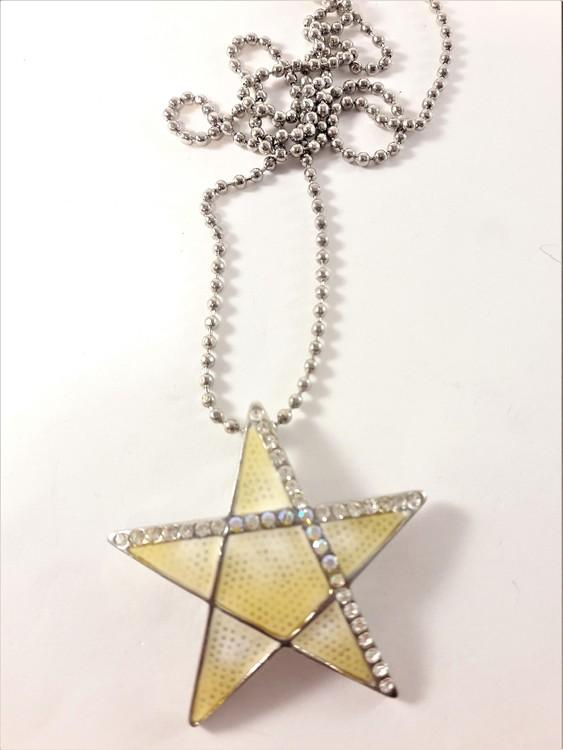 Dubbelt halsband med stjärna som hänge