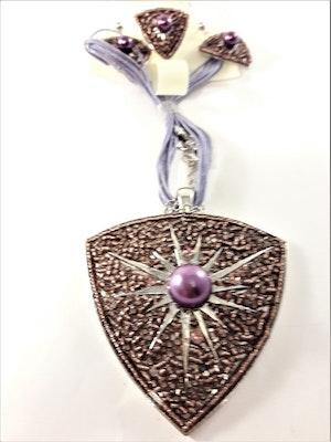 Set med halsband, ring samt matchande örhängen i lila