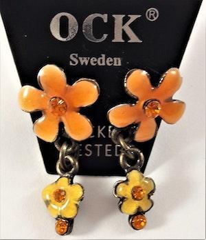Emaljerade Örhängen i Form av Blommor och Strass Orange