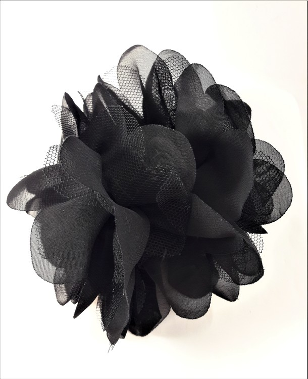 Dekorativ svart hårklämma med svart tyg
