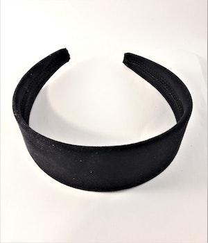 Diadem i svart mocka