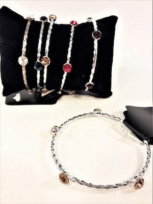 Stelt Metall Armband med Lila Stenar