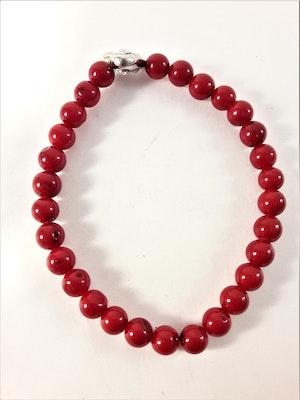 Enkelt Armband med Små Röda Pärlor och Ring med Strass