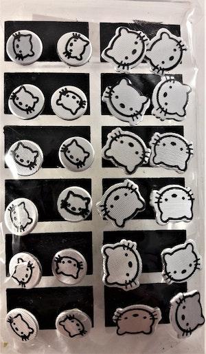 Karta med 12 Par Örhängen med Hello Kitty-motiv Silverfärg