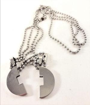 Halsband med Tvådelat Hänge Silverfärg