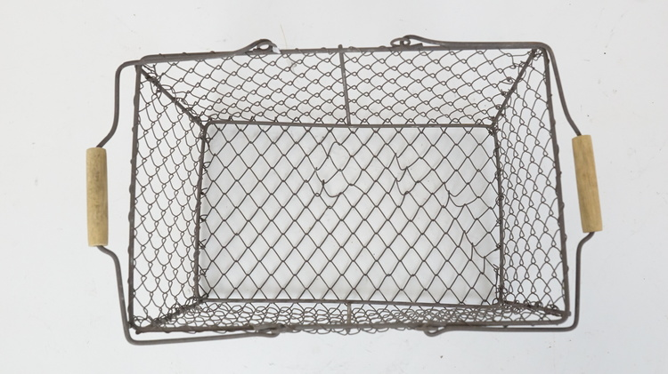 Trådkorg med patinerad yta, olika varianter