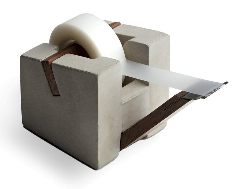 Tejphållare med tejprulle
