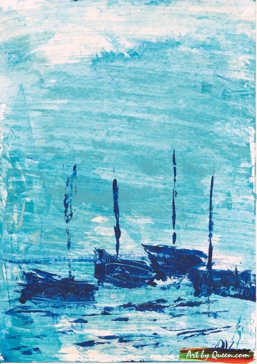 Fyra blå segelbåtar på havet