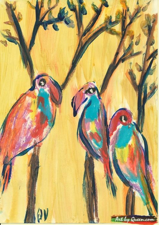 Tre papegojor sitter i trädet